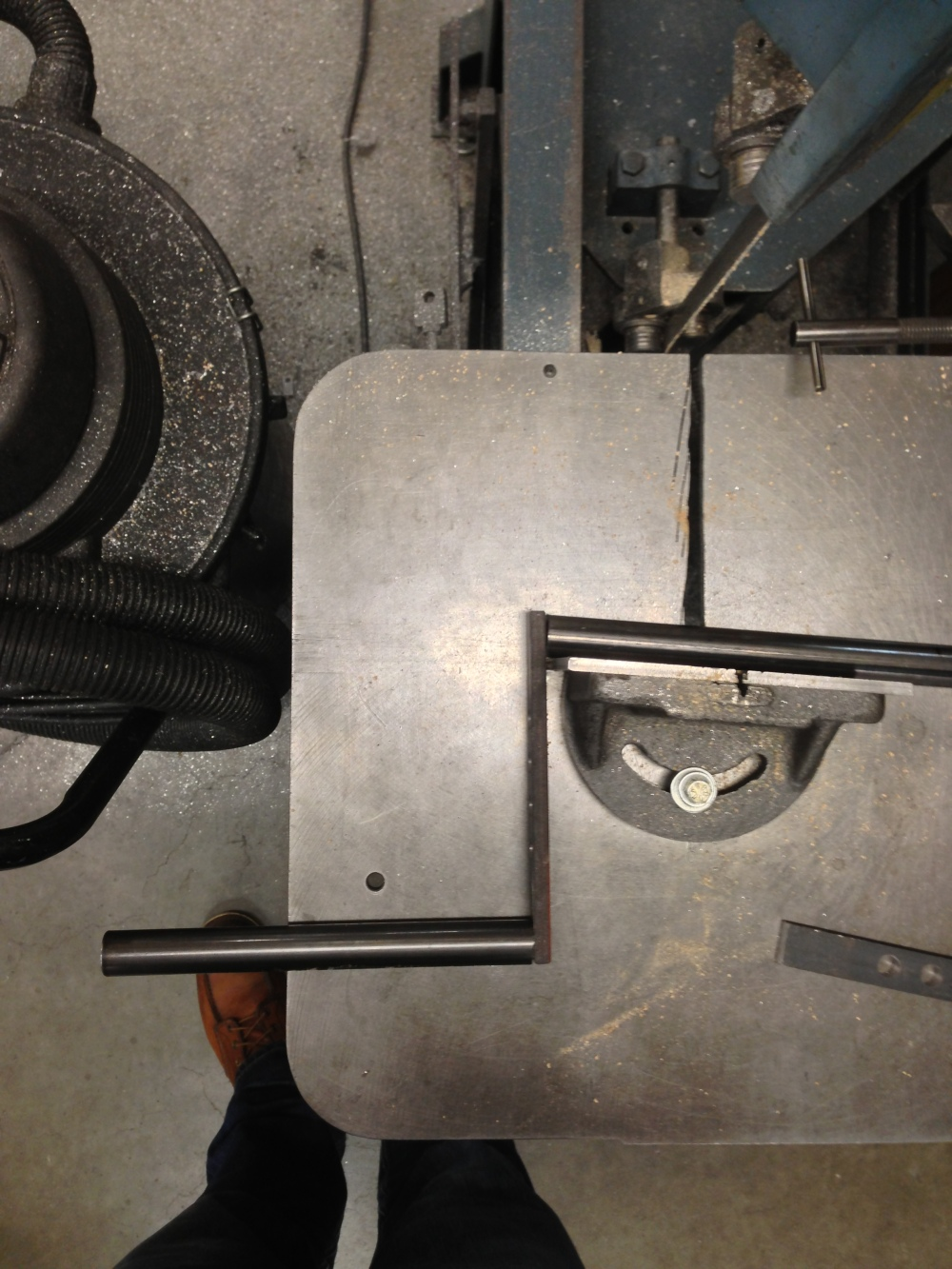 This band saw is a charm for cutting angles - you're looking at 5 degrees.